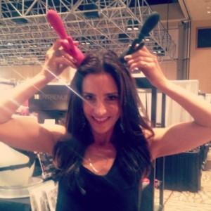 Emily Morse demos the rabbit